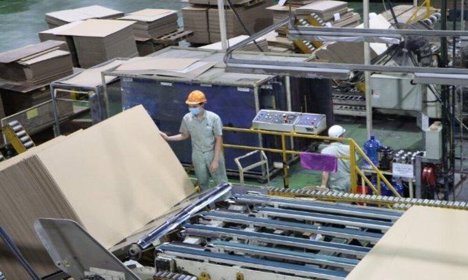 Covid-19 hotspot Bac Ninh allows all enterprises to resume operations