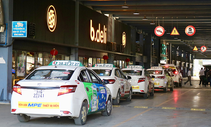HCMC allows taxis to transport patients to hospitals