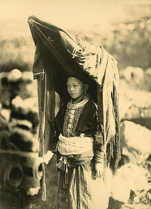 A woman whose husband is from the Man ethnic group in northern Lao Cai Province.