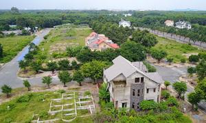 Land inquiries, transactions down 20 pct