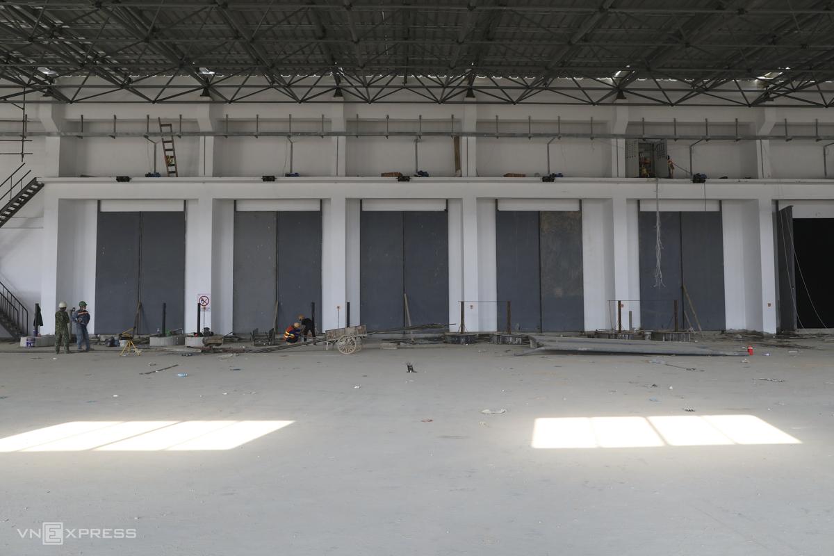 Nhà máy hiện có 16 cửa phù hợp với các loại xe ép rác đang sử dụng tại Việt Nam.