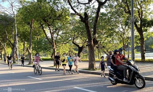 Hanoi reopens outdoor activities