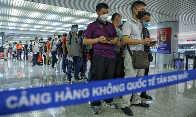 Vietnam cuts quarantine time to 7 days for vaccinated entrants