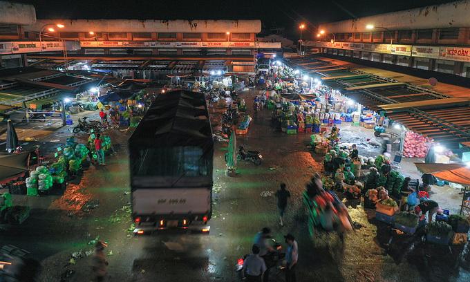HCMC traditional markets come under Covid attack, shut down
