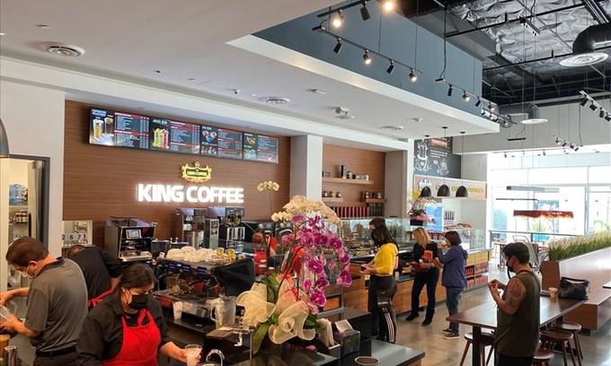 Coffee chains race to establish global presence