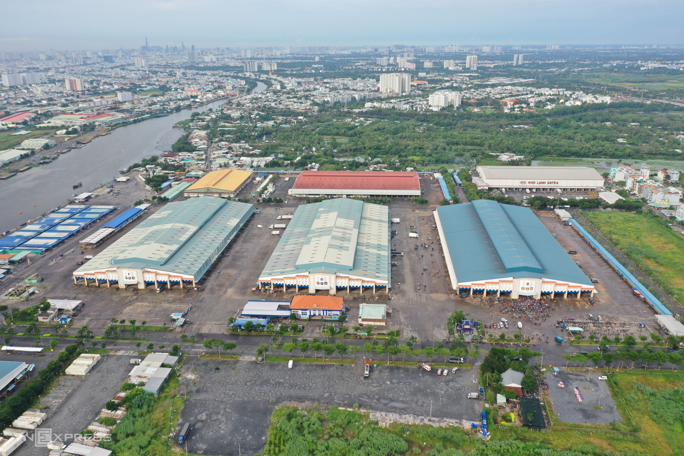 Chaos ensues at HCMC market Covid test site