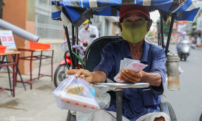 HCMC suspends lottery, takeaway services
