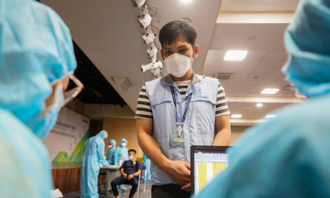 Worker shortage prolonged by pandemic, firms struggle
