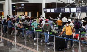 Sri Lanka, Oman extend travel ban on Vietnam visitors over Delta variant