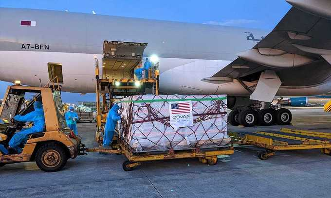 2 million doses of Moderna vaccine donated by US arrive in Vietnam