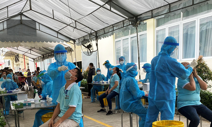 Seven-day isolation requirement for commuting workers hits HCMC factories