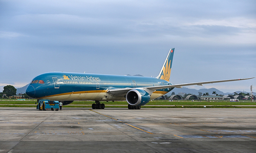 Vietnam Airlines to resume certain Asia, Europe commercial flights
