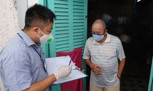 HCMC informal workers, wrecked by pandemic, receive Covid support