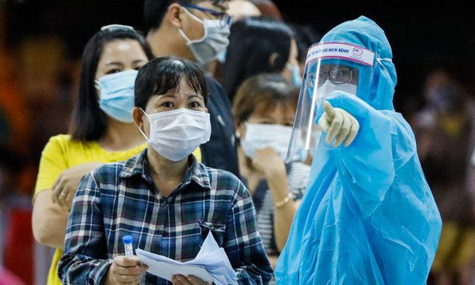 Vietnam reverts to 14-day quarantine for entrants