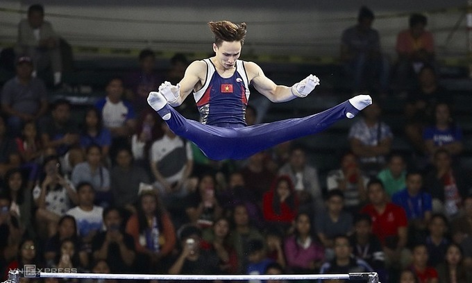 Dinh Phuong Thanh competes in SEA Games 2019. Photo by VnExpress/Duc Dong.