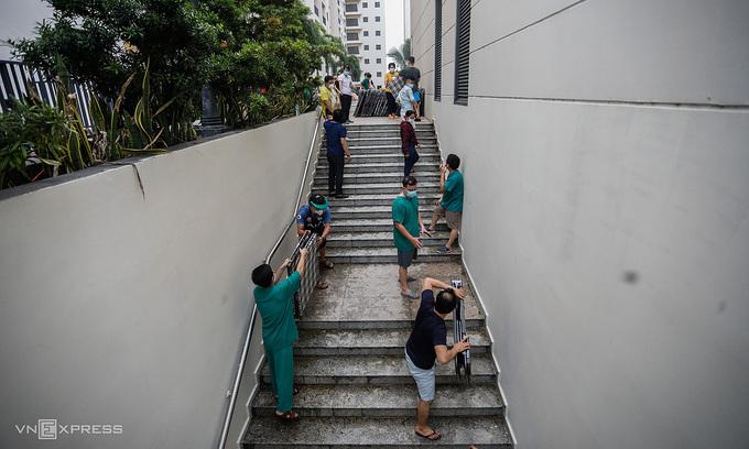 Vietnam's domestic Covid case count rises by 1,438