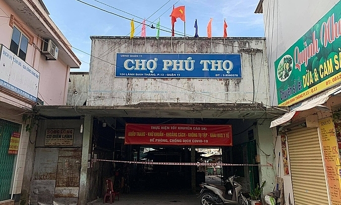 HCMC traditional markets set to reopen next week