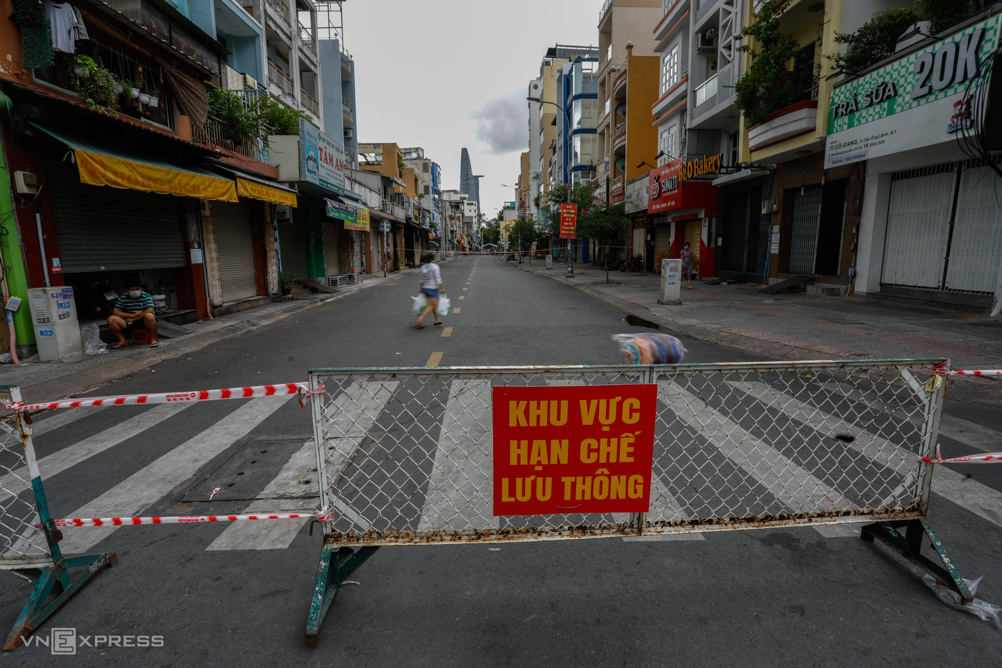 A section of Co Giang Street in downtown District 1 is blocked to restrict traffic to contain Covid-19 spread, July 9, 2021. Photo by VnExpress/Huu Khoa.