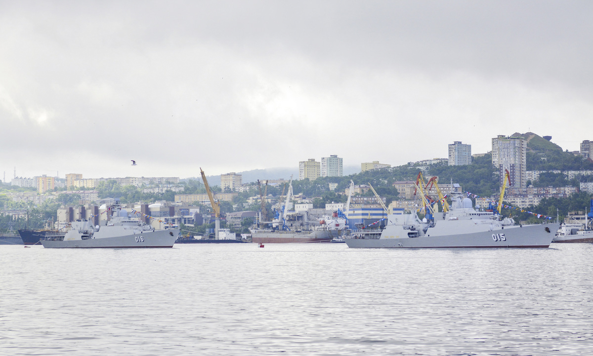The 015 Tran Hung Dao and 016 Quang Trung frigates are seen in Vladivostok, the largest Russian port on the Pacific Ocean.