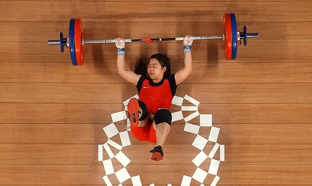 Vietnamese weightlifter fails to hoist Olympic medal