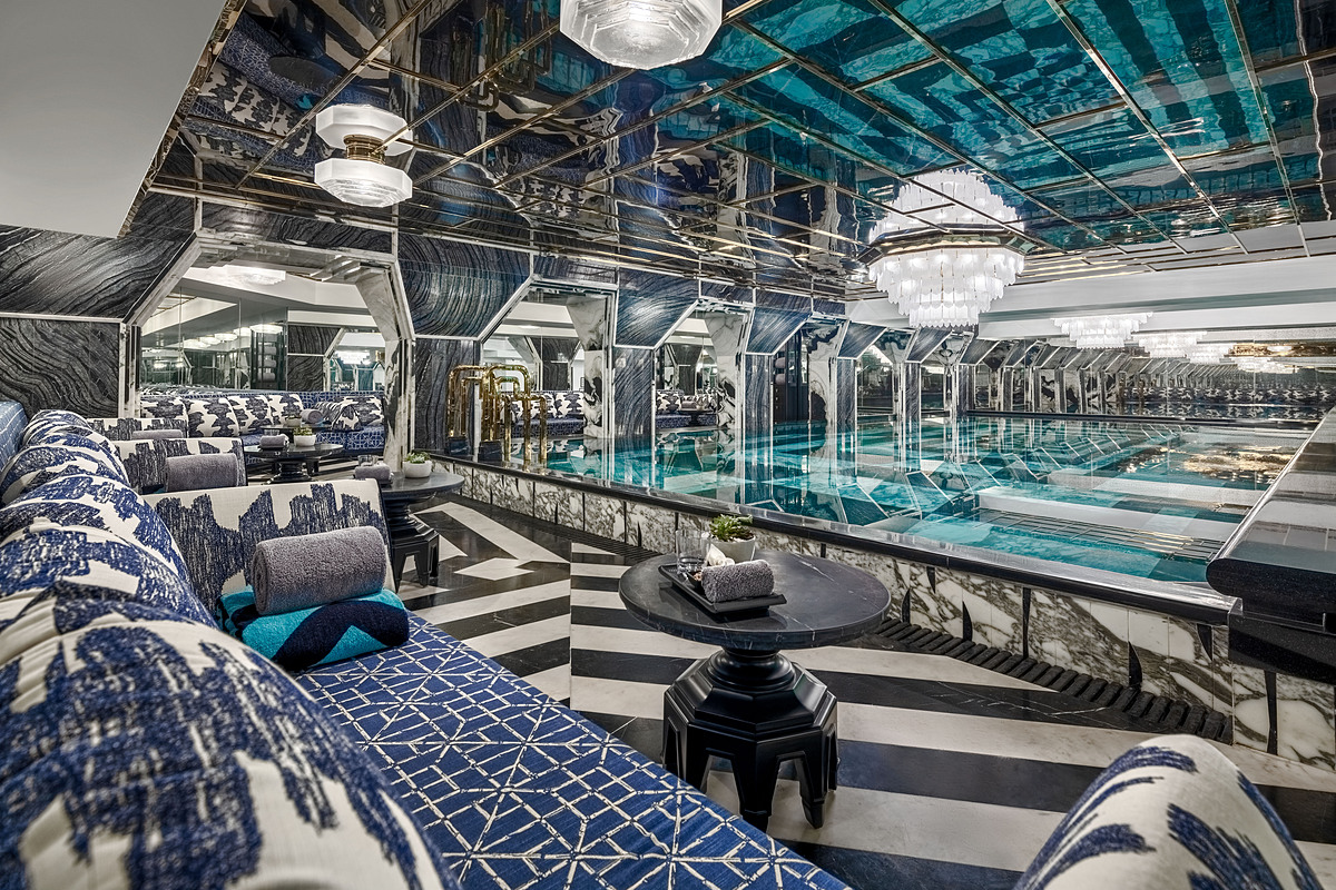 One of the highlights of the hotel is its indoor swimming pool that resembles a paradise for opera singers to refresh after exiting the stage.