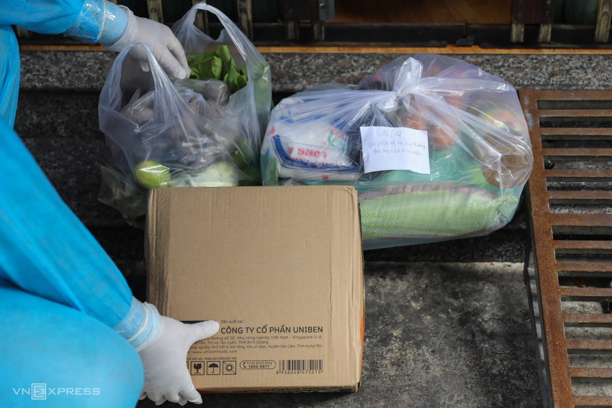 Local authorities also give more sugar, salt, cooking oil, rice, instant noodles to those in quarantine.