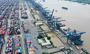 Greater efficiency, less traffic proposed for HCMC port