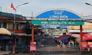 Hanoi locks down largest wholesale market