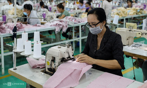 Garment firms fear order plunge
