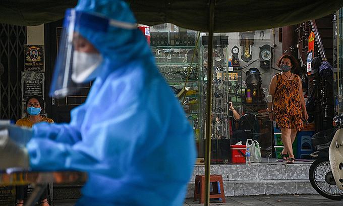 Coronavirus case linked to Hanoi vaccination point