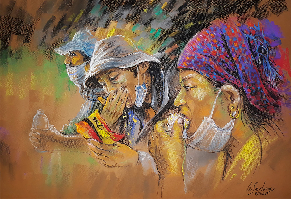Long also creates paintings of migrant workers amid the Covid wave. Many of them have lost their jobs and decides to go home with whatever they have.  In the painting, workers eat food provided by local police in central Binh Dinh Province while going home.