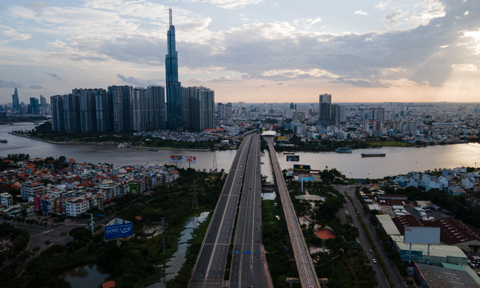 Vietnam slips to bottom on Covid-19 recovery index