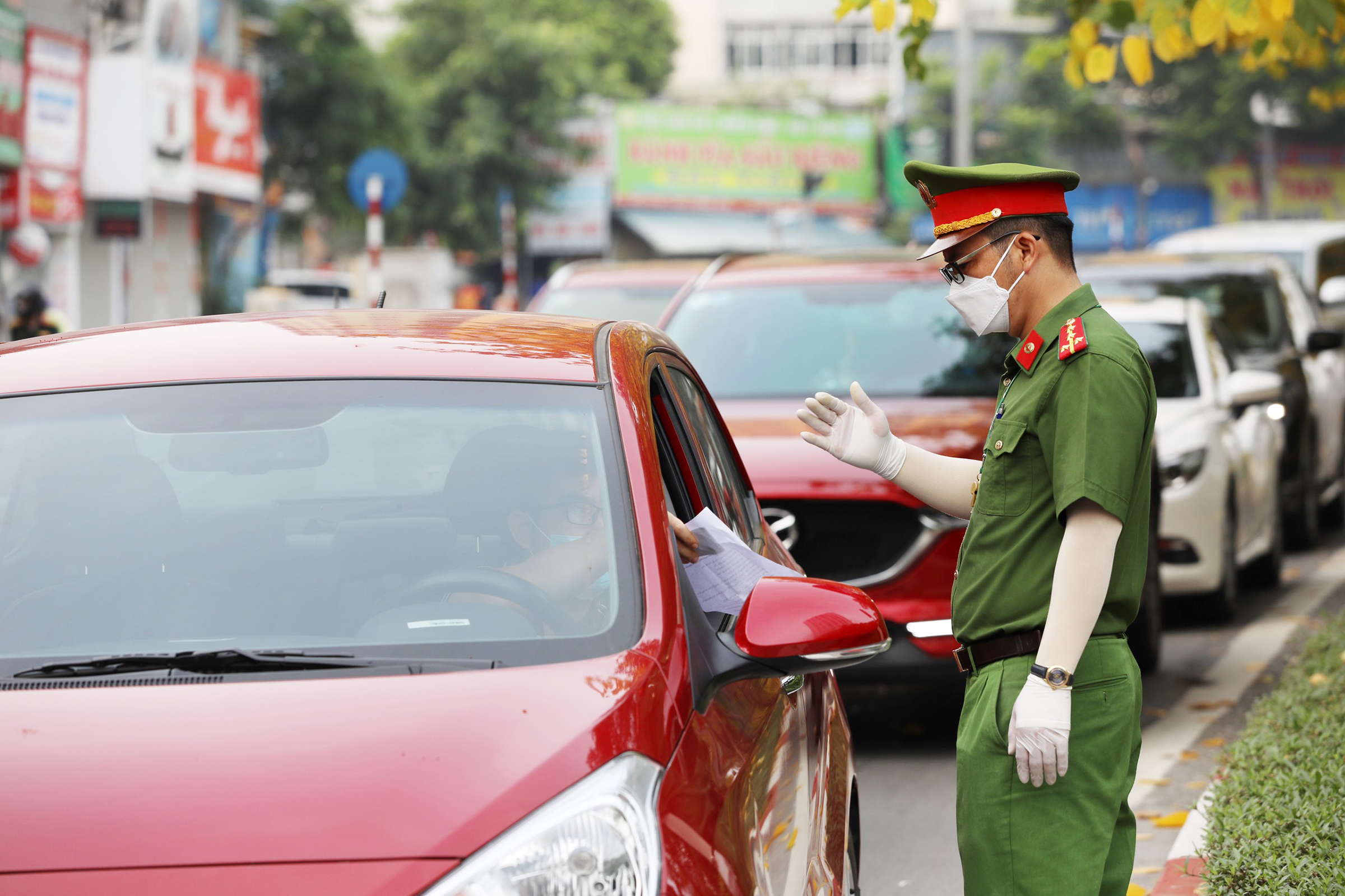 Hanoi streets crammed with new mobility requirements