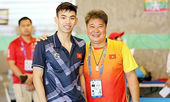 National swimming coach passes away in quarantine