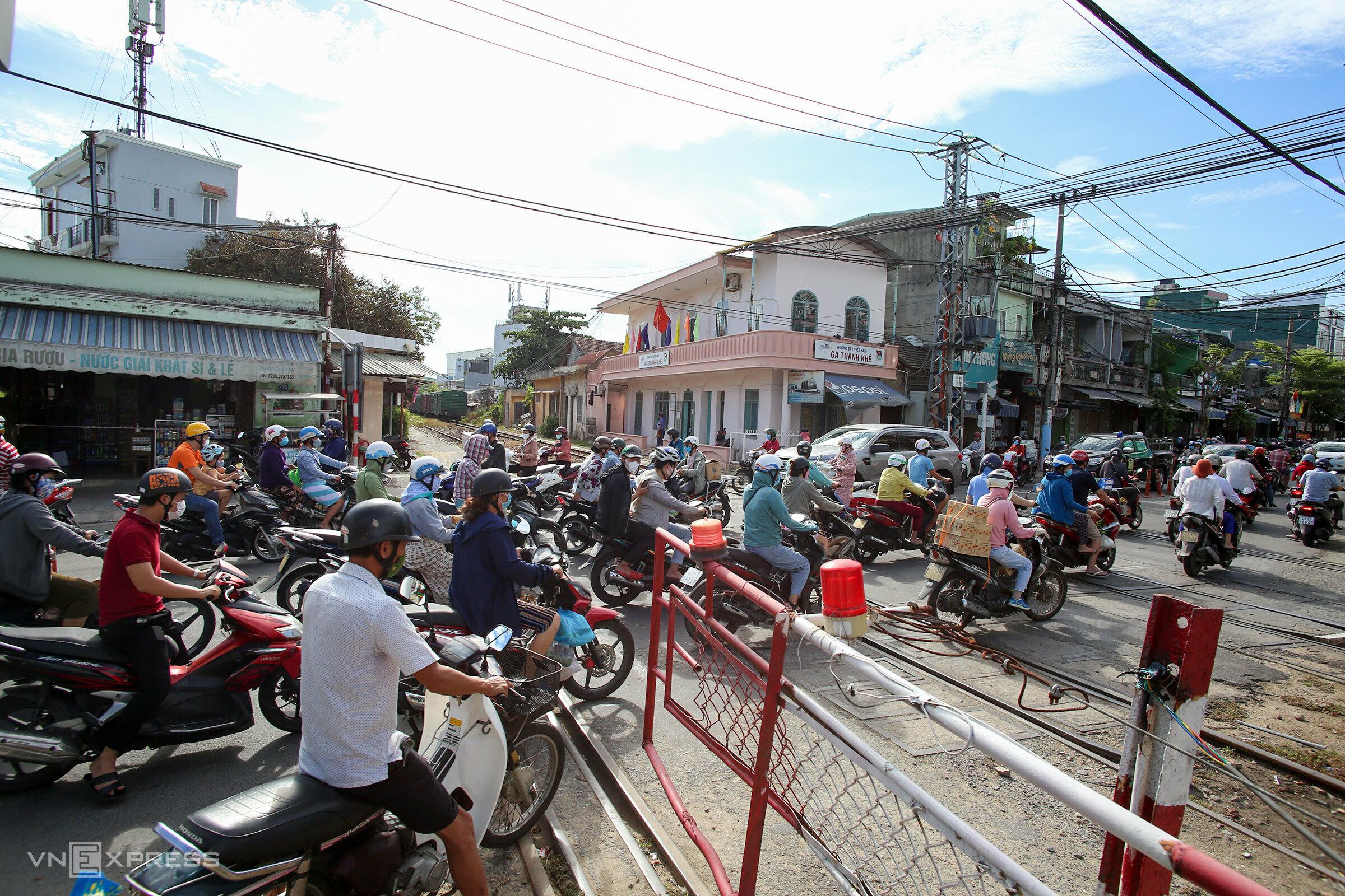 Da Nang bustling two days prior to lockdown