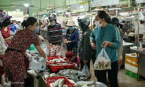 Da Nang, Nha Trang ban people from leaving home for seven days