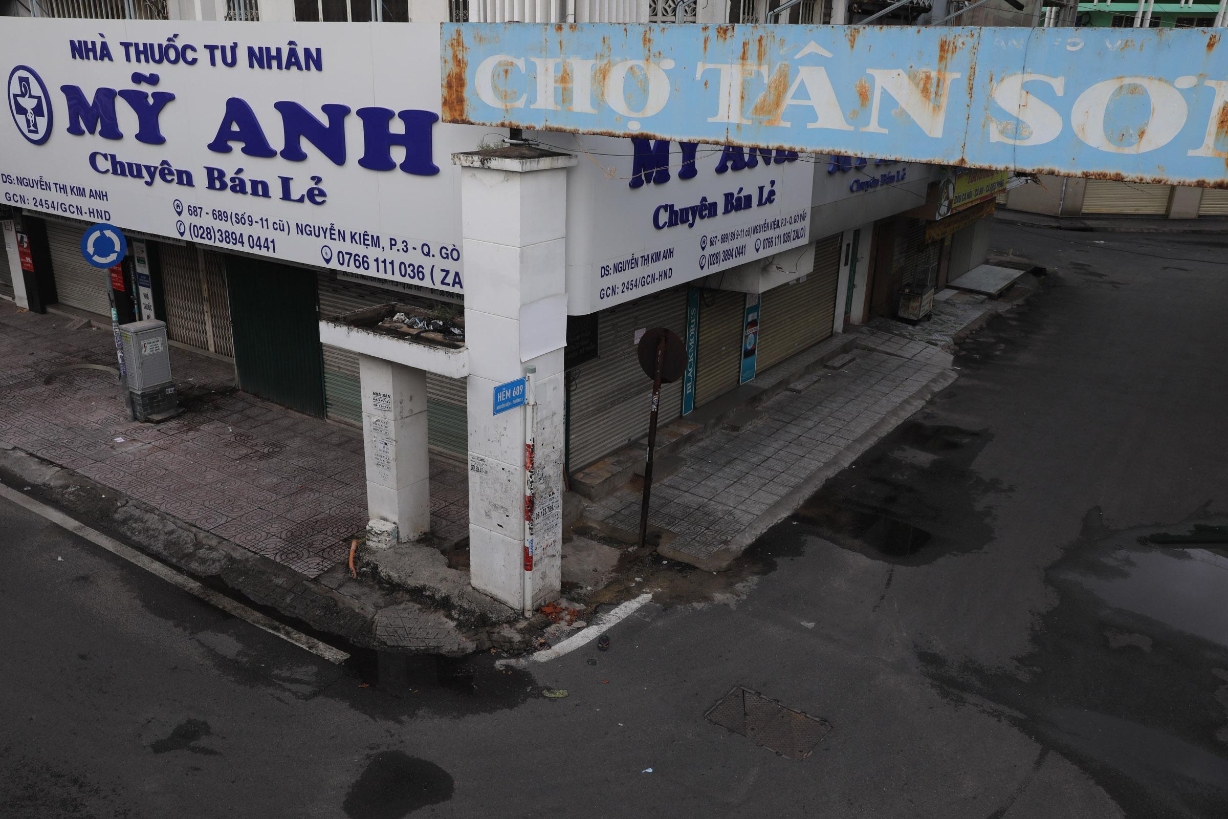 HCMC hibernates as residents ordered indoors
