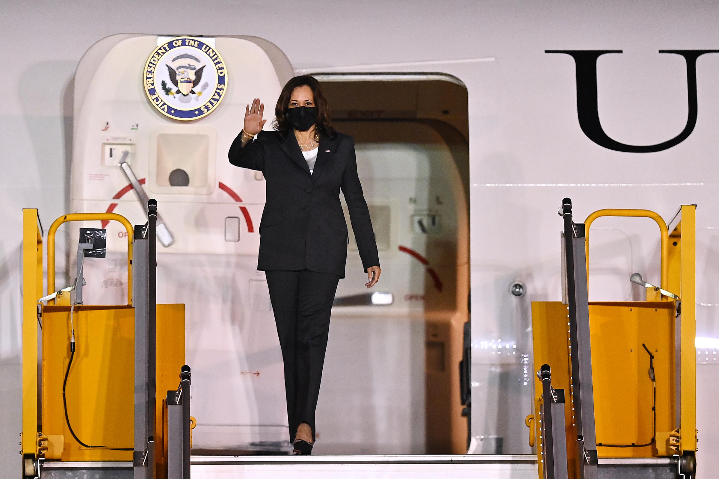 US Vice President Harris arrives in Hanoi