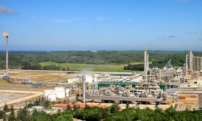 Refineries face closure due to plunging fuel demand