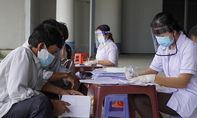 Vietnamese-American doctors offer to help Covid patients in Vietnam