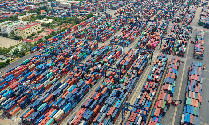 Trade deficit crosses $3.7 billion