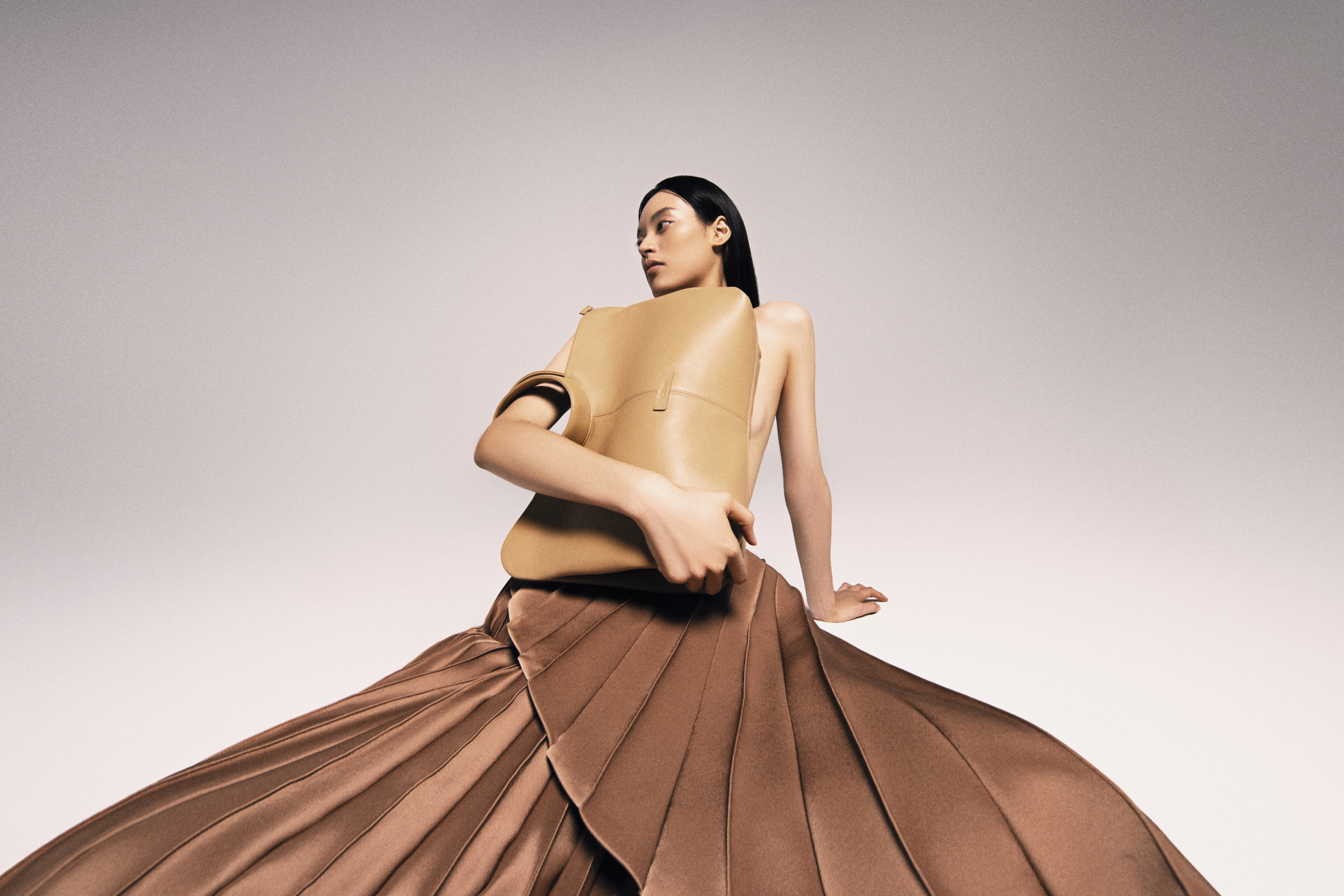 The designer hopes that, through the bag collection, he can introduce Vietnamese cultural values to more international audiences. Cuong Dam was born in 1990 in Hanoi. After graduating from Hanoi University of Architecture in 2013, he later attended the London College for Design & Fashion in the capital to follow his fashion design passion. Dams style often emphases on the shaping of the design, aiming for a luxurious and elegant style that can be worn in many situations.
