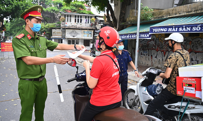 Travel permit roadblocks will disrupt operations: Hanoi firms