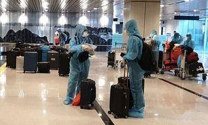 Vietnam welcomes first int'l flight under vaccine passport policy