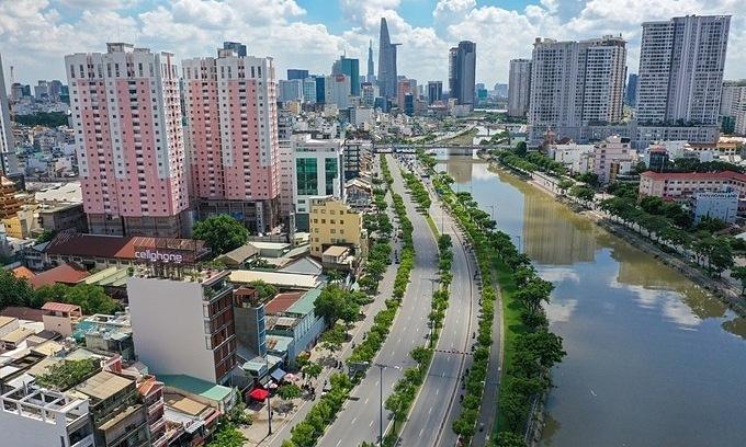 Vietnam sets September deadline for Covid situation control