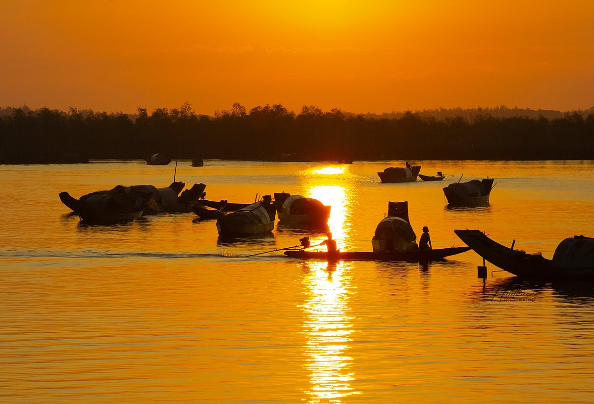 Between May and July is the busiest time of the year at the village when fishermen would avoid sailing from August to November, which is always the storm season in central Vietnam.
