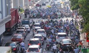 Dump ineffective Covid-19 restrictions, experts advise Hanoi