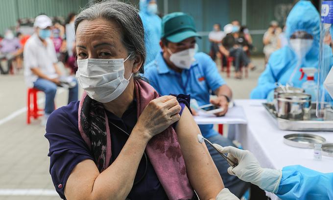 HCMC mulls 'vaccine green pass' for reopening