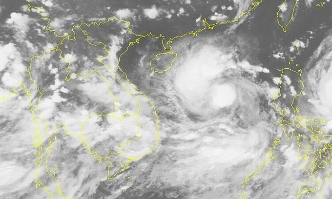 Storm Conson to strengthen as it heads towards Vietnam: experts