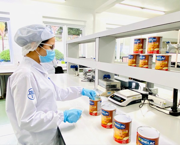 Vinamilks R&D department contributes significantly to the success of exported products. Photo by: Vinamilk